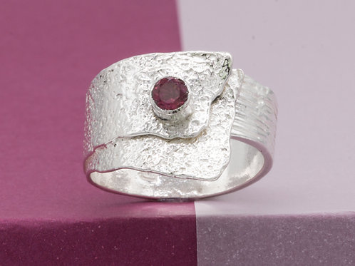 040502 Ring