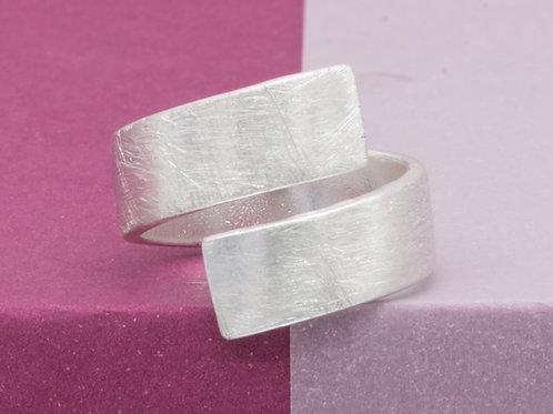 040505 Ring