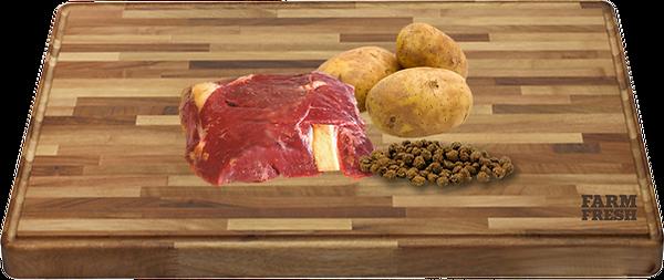 90% maso produkty živočišného původu (20% jelení maso ze svaloviny, 70% z různých částí - plíce, játra, svalovina), zelenina a zeleninové produkty, minerly, vejce, bramborový protein