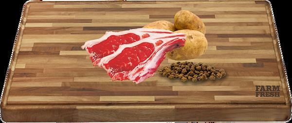90% maso a produkty živočišného původu (20% jehněčí maso ze svaloviny, 70% z různých částí - plíce, játra, svalovina),zelenina a zeleninové produkty, minerály, celá vejce