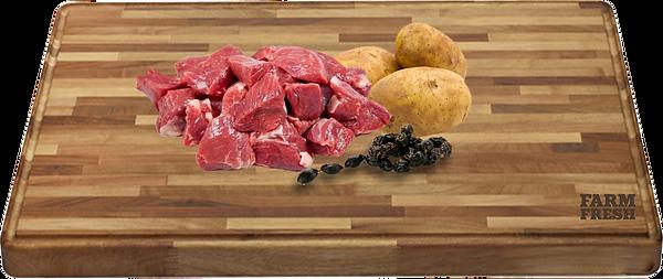 90% hovězí maso a produkty živočišného původu (20% maso ze zvaloviny, 70% z různých částí - plíce, játra, maso ze svaloviny), zelenina a zeleninové produkty, minerálny, oleje a tuky
