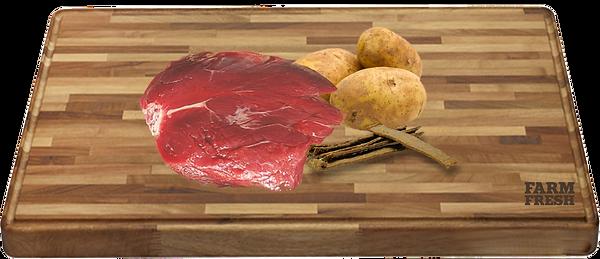 90% klokaní maso a produkty živočišného původu (min. 20% klokaní maso ze svaloviny, 70% různých částí - plíce, játra, svalovina), zelenina a zeleninové produkty, minerály