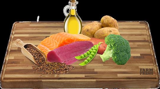 Tuňák a Losos 50% (čerstvý tuňák 26%, sušený losos 19%, lososový olej 3%, vedlejší produkty z ryb 2%), Sladké brambory 24%, Brambory 12%, Hrášek, Lněné semínko, Řepné řízky, Vitamíny a minerály, Omega 3, Brokolice 7,5g/kg, FOS 92 mg/kg, MOS 23 mg/kg.