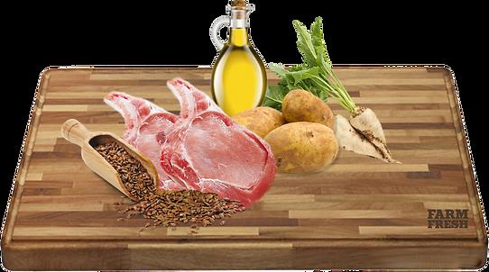 Čerstvé vepřové maso 24%, susšené vepřové maso 22%, tapioka 22%, brambory 22%, cukrová řepa, kuřecí tuk, sušené a rozemleté lusky svatojánského chleba, droždí 1%, inulin z cikorky 0,2% (zdroj FOS). Mannan-oligosacharidy 0,2 %, glukosamin 0,037 %, chondroitin 0,026%.