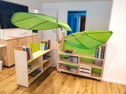 ..qui abbiamo anche la nostra casetta libreria spostabile
