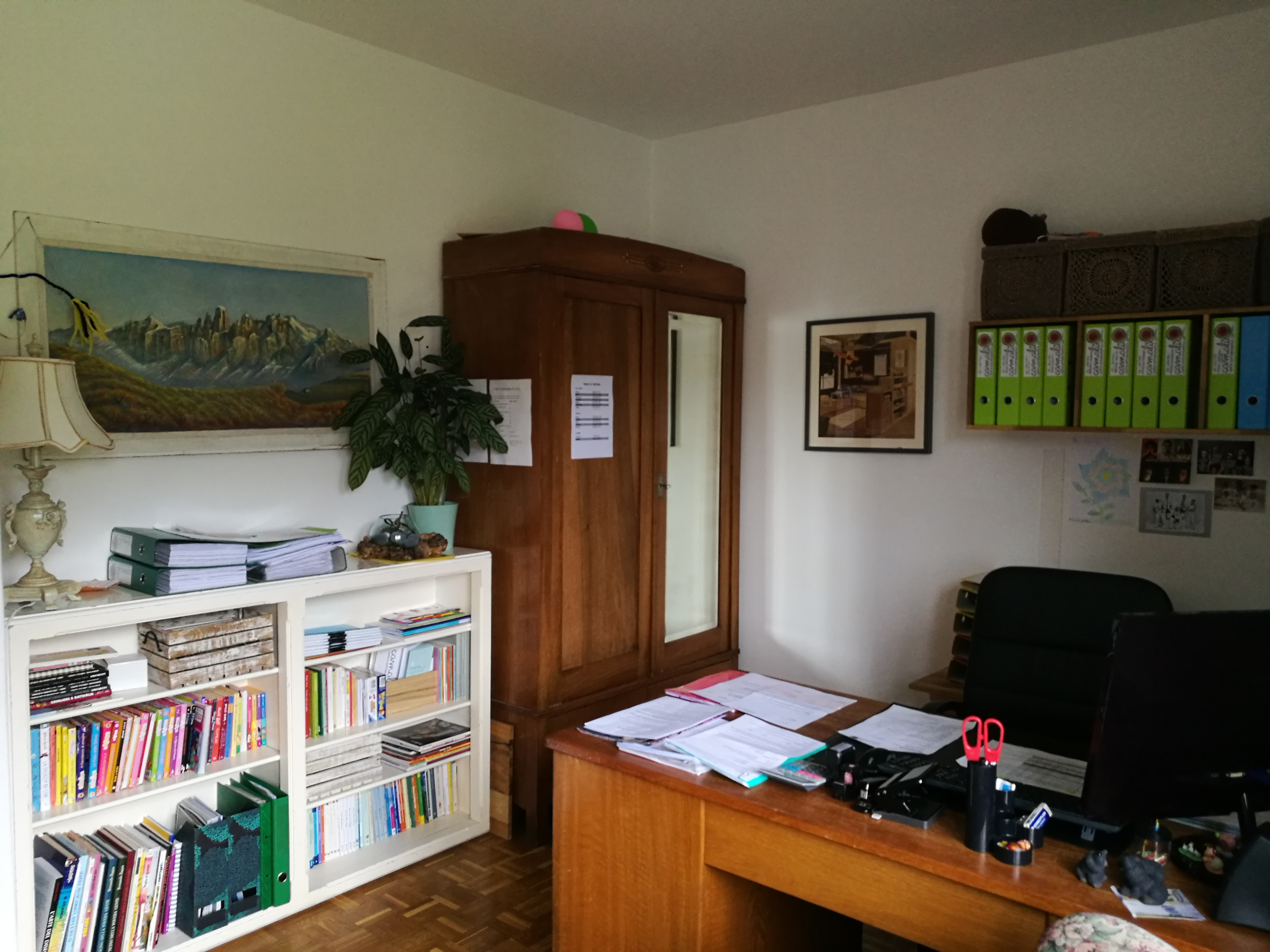 L'ufficio della Responsabile Nicoleta e Direttrice Nadia