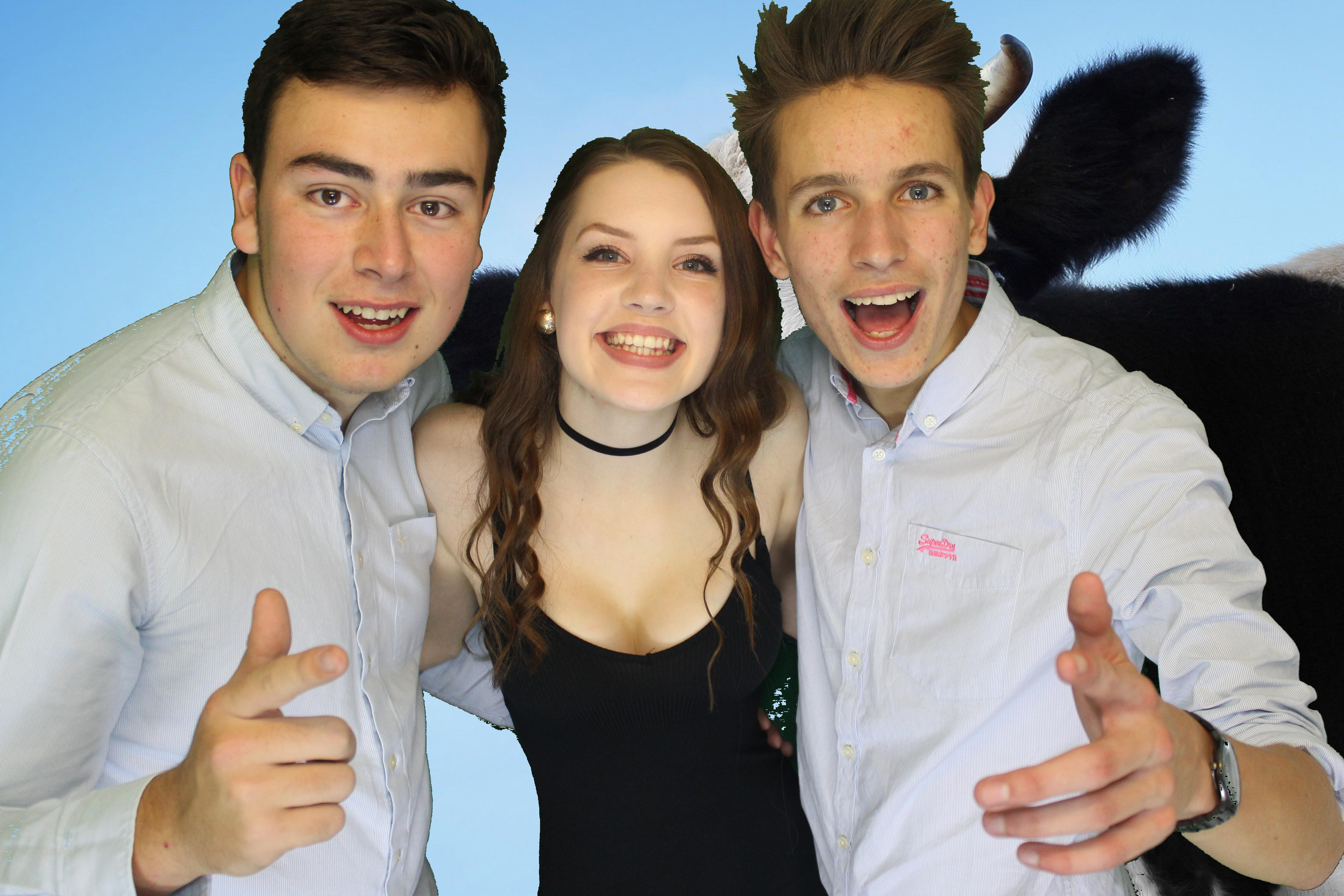 fun photobooth hire with greenscreen