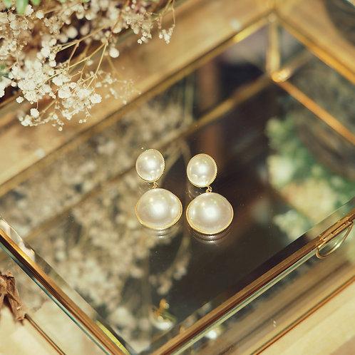 Round Plumeria Trim Earrings