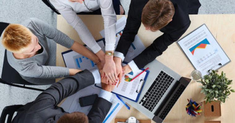 trabalho-em-equipe-vendas (1).jpg