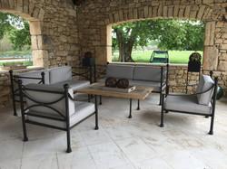 Salon de jardin rénové avec un tissu SUN