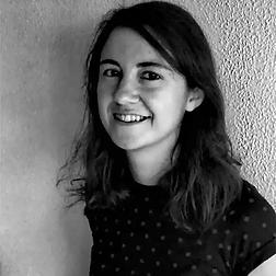 Esther Pérez Migueláñez, psicoterapeuta, psicóloga infantojuvenil y musicoterapeuta en La Periférica Centro de Psicología y Transformación Social en Aluche (Madrid)