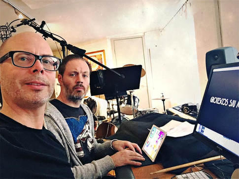 """Andreas Grill and Michael Lindgren working with """"Flyktingkrisen"""" in the studio"""