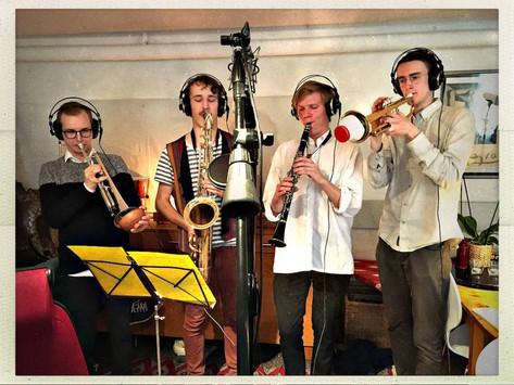 """Brass recording for Grotesco """"Vända kappan efter vinden"""" in the studio"""
