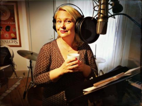 Malin Carlsson in the studio