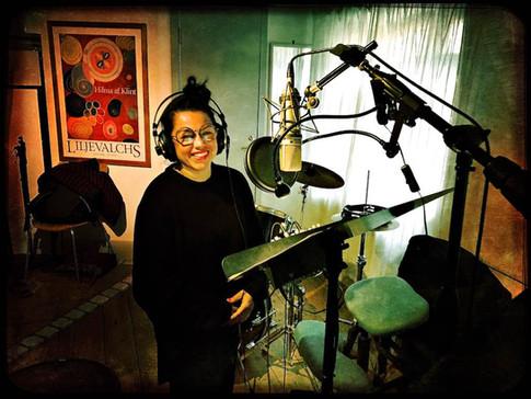 Anna Vnuk in the studio