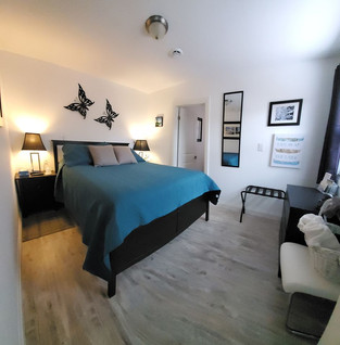 Nottawasaga Queen Bedroom
