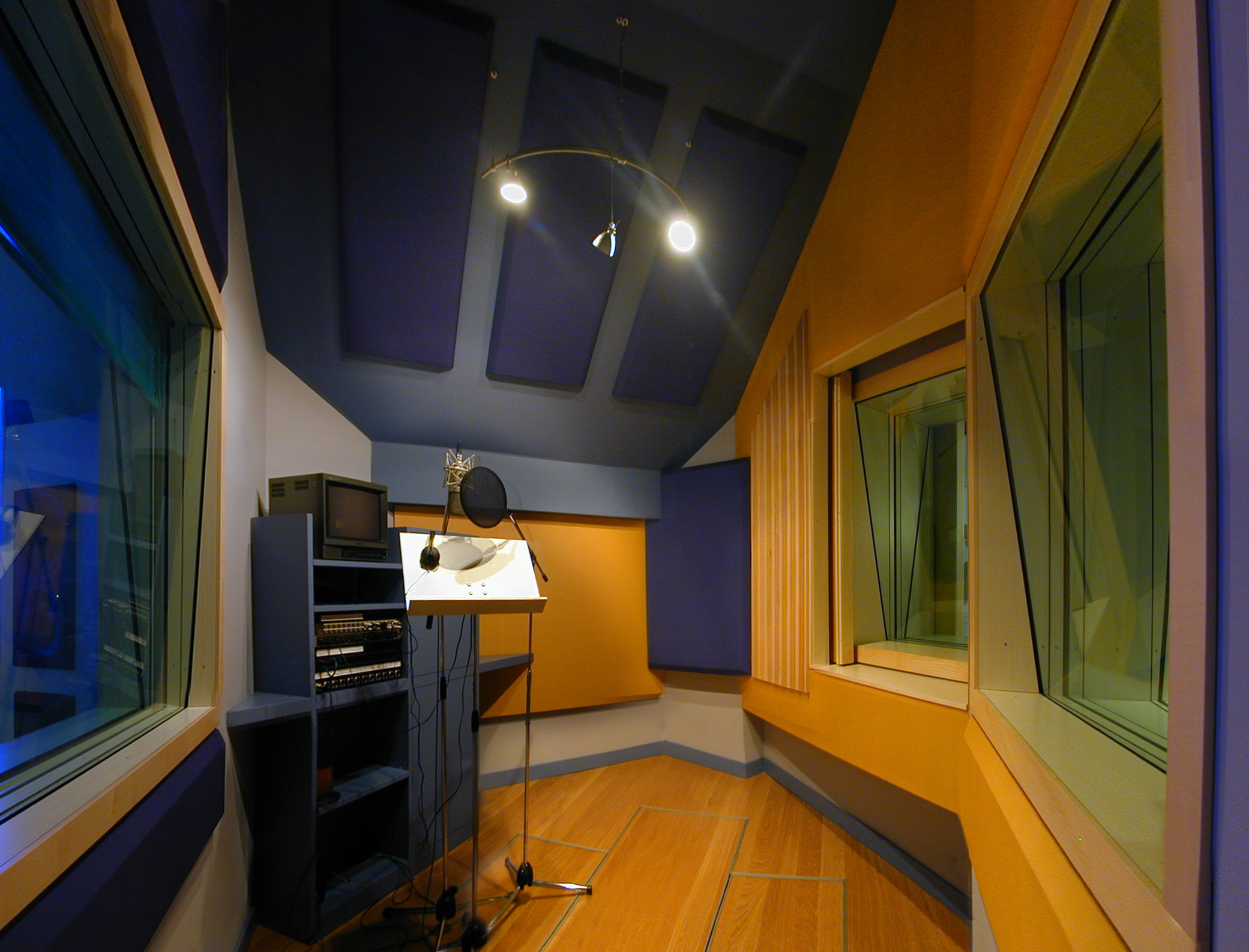 23HB Vocal Booth