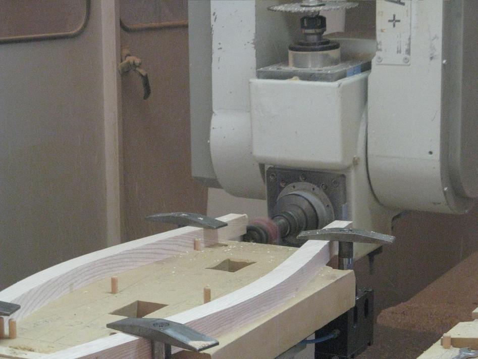 Factory machine CNC-milling chair legs
