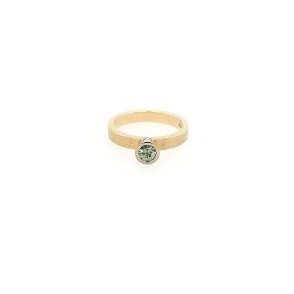 Nobilia ring met groene saffier