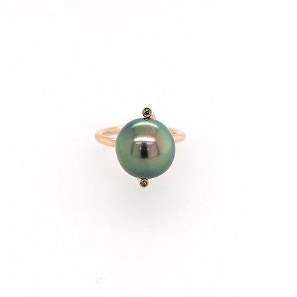 Nobilia ring met tahiti peacock parel en groene diamant