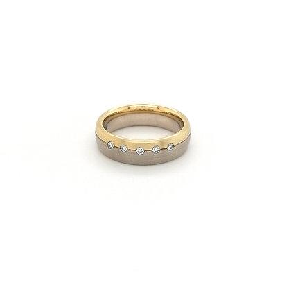 Nobilia ring bicolor met diamant