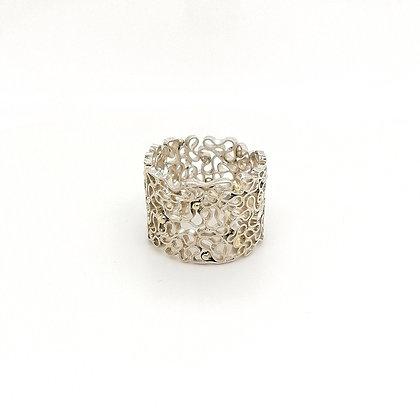 Zigt zilveren ring met gouden balletjes