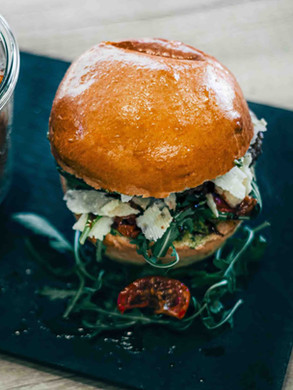 Chez Greg // Burger Basile