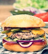 Food truck Chez Greg cantine mobile Burger à base de viande, produits frais & local