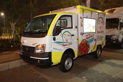 tata super ace food truck low head.jpg
