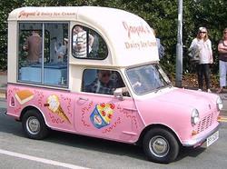 vintage-ice-cream-trucks-L-OTqoeJ