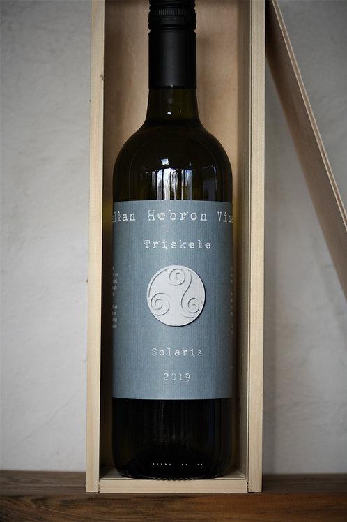 Triskele 'White' 2019 Still Solaris Wine Gift Box