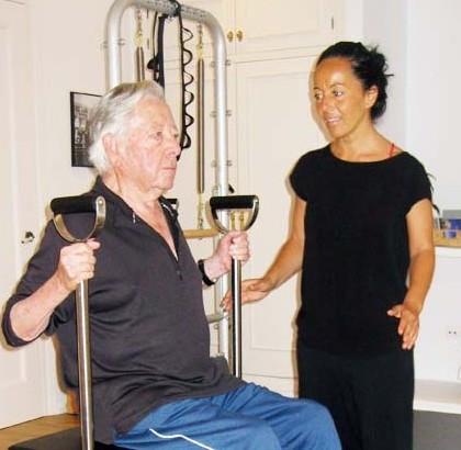Francisco Ojeda, 90 años, demuestra que Pilates funciona a cualquier edad!!