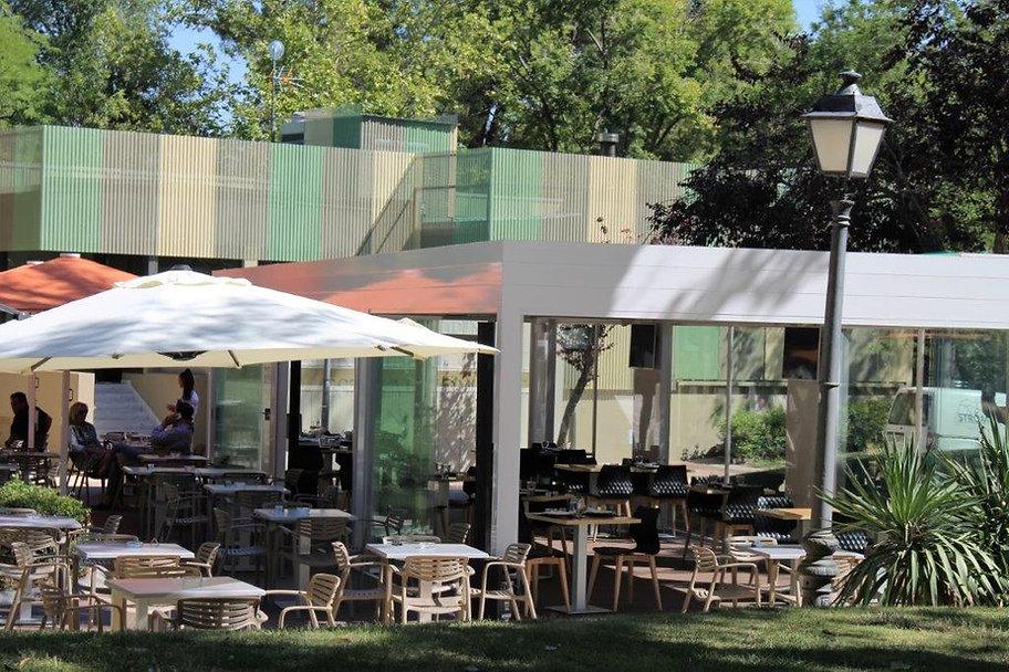 Terraza Restaurante Strombolil