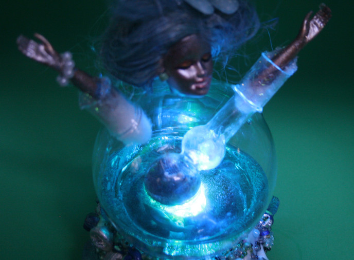 Wenig Wunderkammer - Inner Bliss - blue light