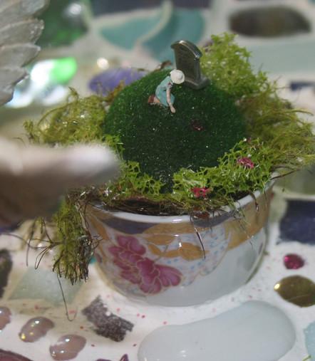 Magic Mirror - Cup Closeup Detail