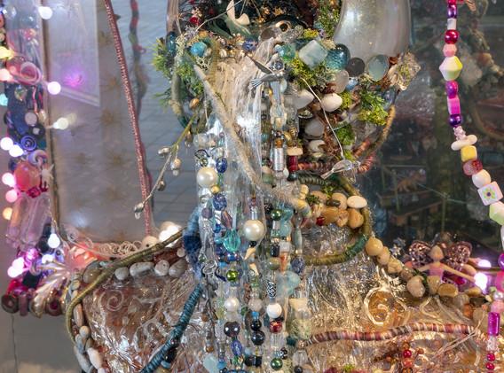 Detail, Gaia