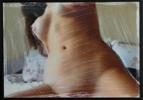 HOTTEST BODY SEXY TEEN PLAYS PUSSY ON CAM