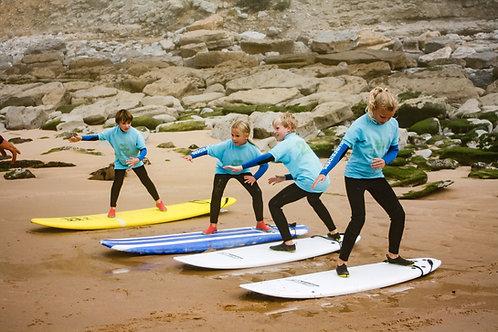 Kids - Surf Lesson in Group // Crianças - Aula de Surf em Grupo