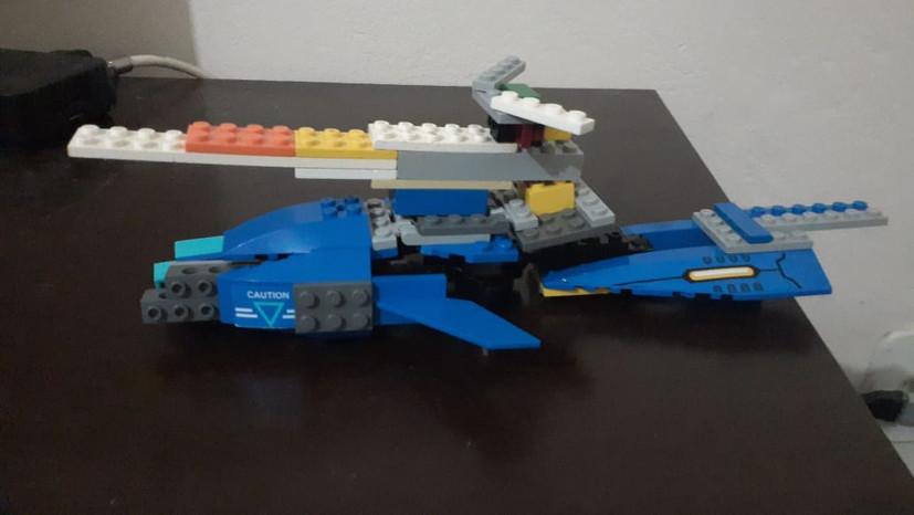 Imagem de lego do pequeno B., de 9 anos