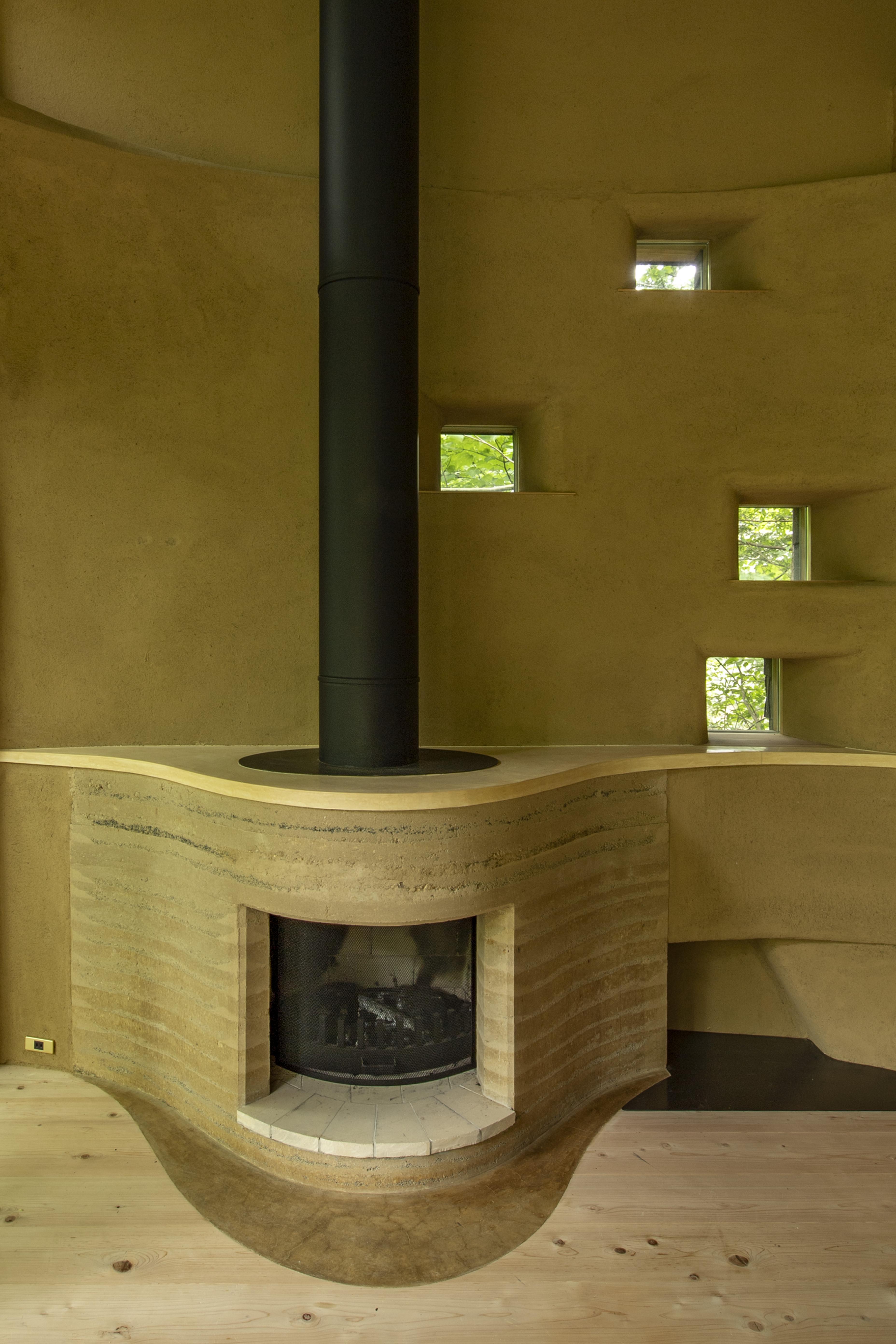 版築暖炉 Rammed Earth fireplace
