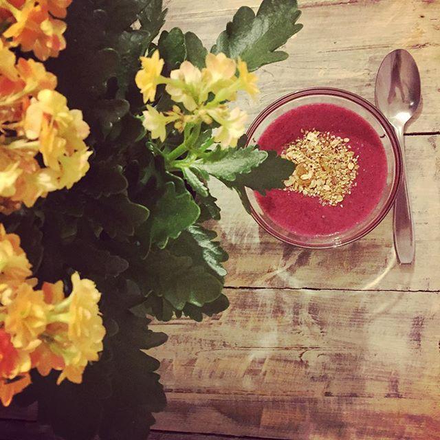 Inspirada pela primavera e pela minha amiga e chefe Rita Taraborelli do Rita Maria, fiz um creme ref