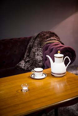 Schönen Tee gibt es für ein Lächeln