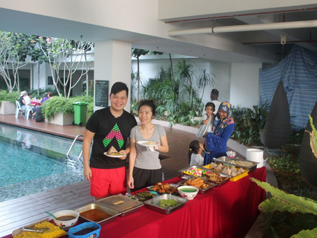 Malaysian Breakfast by the Pool