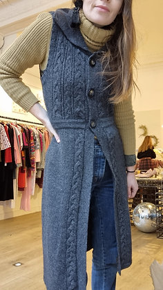 Laura ashley sleeveles wool vest
