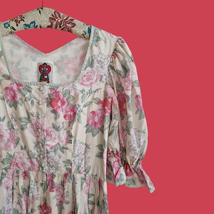 Roses dirndl dress