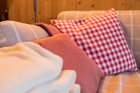 Wohnzimmer Alpenchic Stil - Chalet Isenschmid