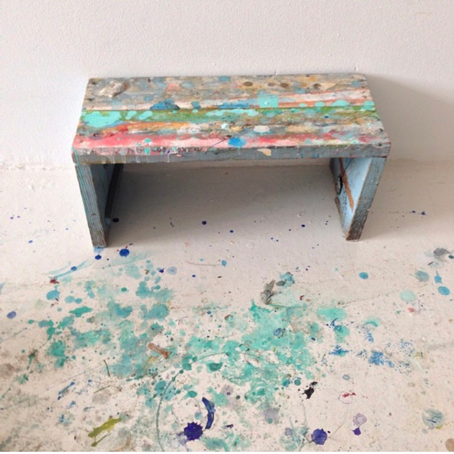 Large canvas resting bench
