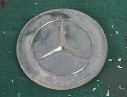 Mercedes-badge-befor