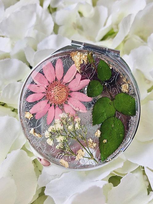 Custom made compact mirror