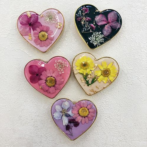 Custom made heart floral phone grip